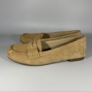 WHITE MOUNTAIN Tan Suede Loafers